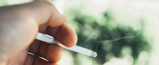 Instandsetzungspflicht des Vermieters wg. eindringenden Zigarettenrauchs aus Nachbarwohnung