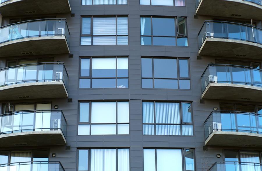 Einstweilige Verfügung des Mieters gegen Balkonanbauten