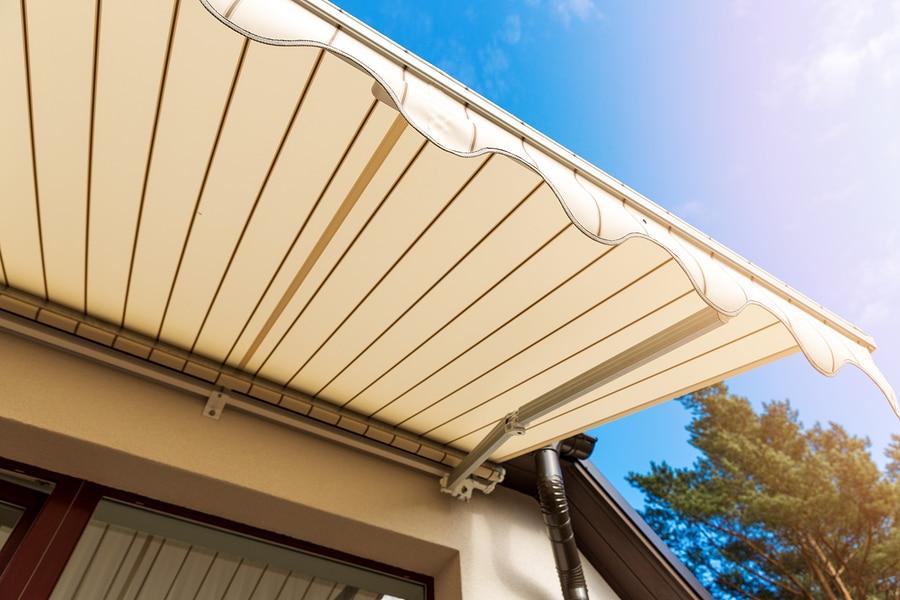 Balkonmarkise – Wiederanbringungsanspruch nach Fassadensanierung