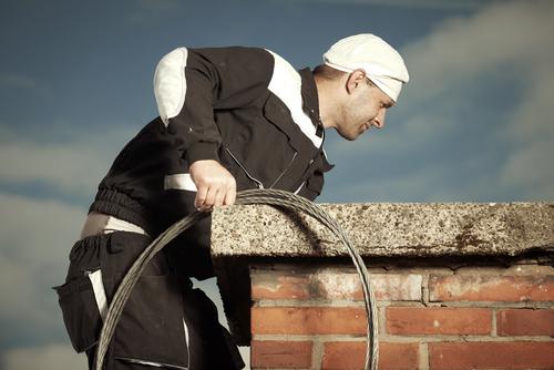 Mitwirkungspflicht des Mieters bei der Abgaswegprüfung durch den Schornsteinfeger